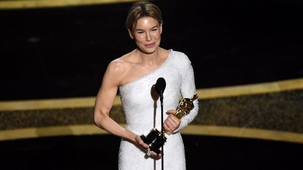 Zellweger completes comeback with best actress Oscar win   ABC News 992x558