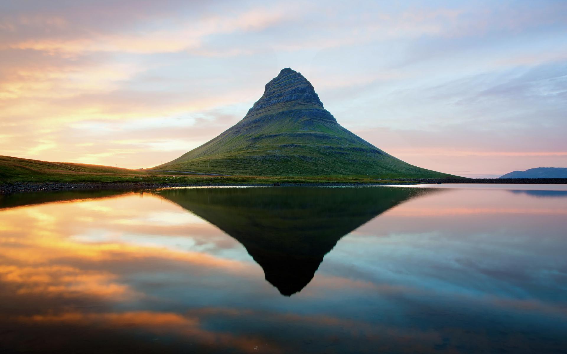 Iceland Volcano Landscape   Desktop Wallpaper 1920x1200