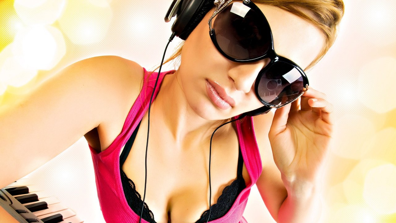 Sexy DJ Girl music wallpaper in 1280x720 resolution Music Wallpapers 1280x720