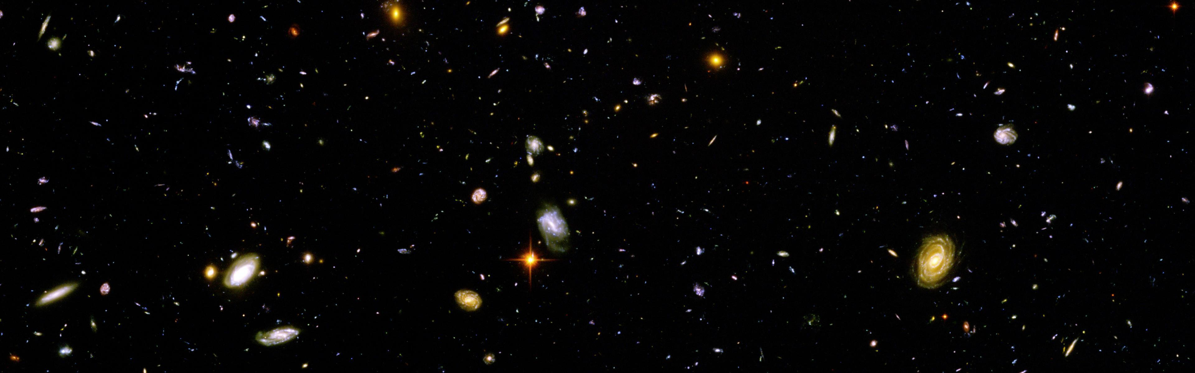 hubble galaxy field - HD 3840×1200