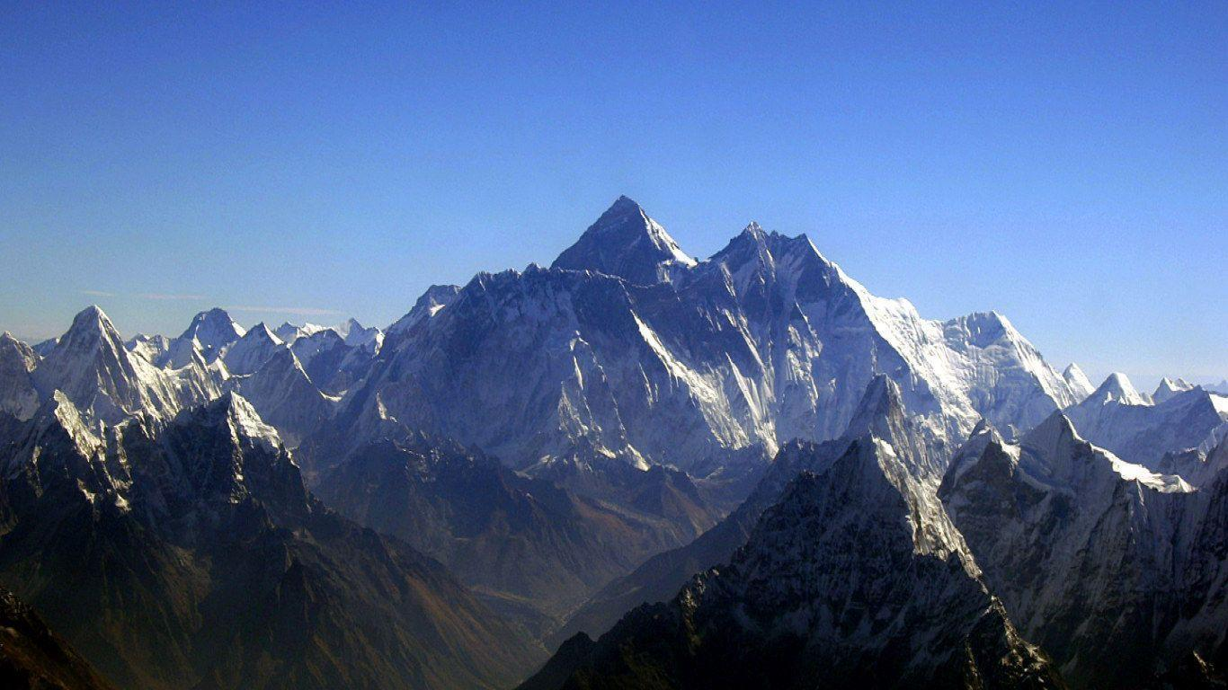 mount everest pictures - HD1366×768