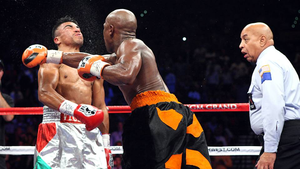 Victor Ortiz Floyd Mayweather Jr owes me a rematch Other 960x540