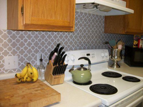 painted vinyl quatrefoil backsplash Kitchen Pinterest 500x375