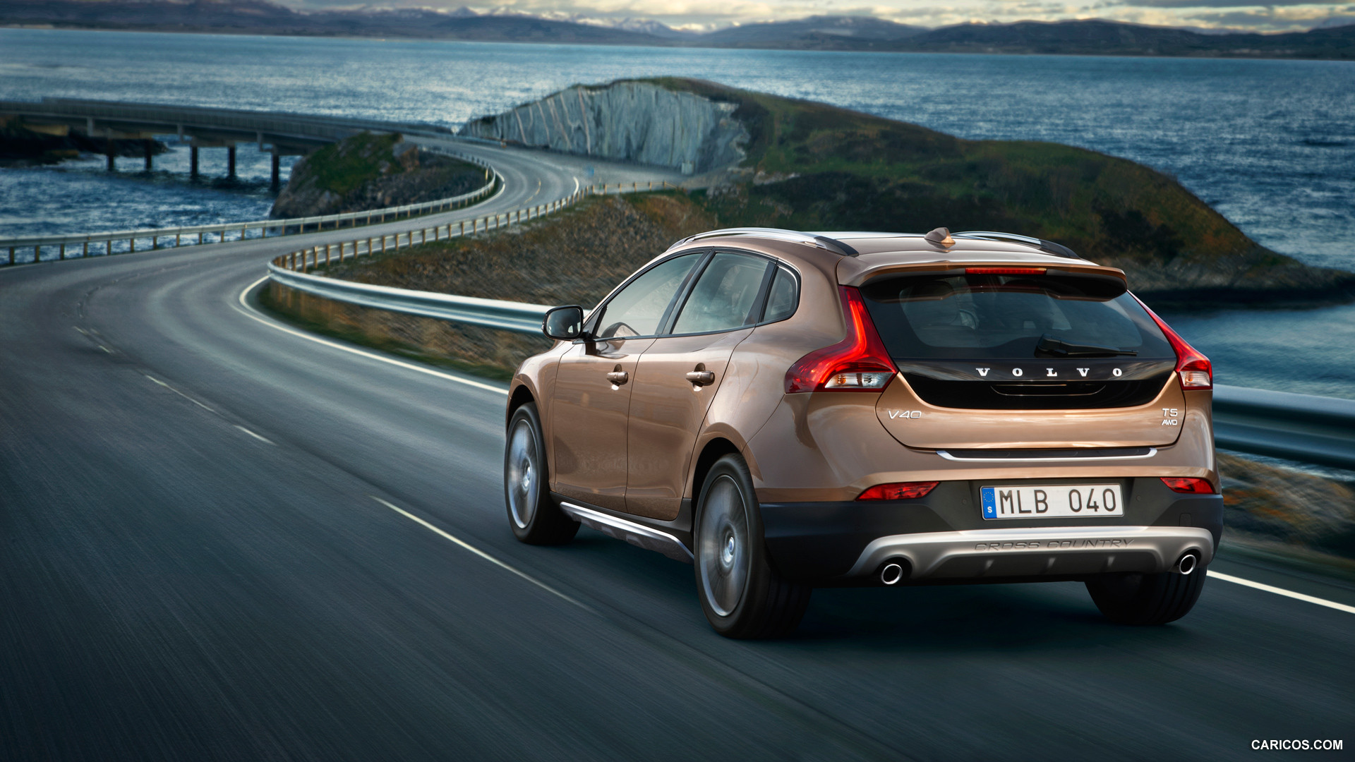 2013 Volvo V40 Cross Country   Rear HD Wallpaper 8 1920x1080