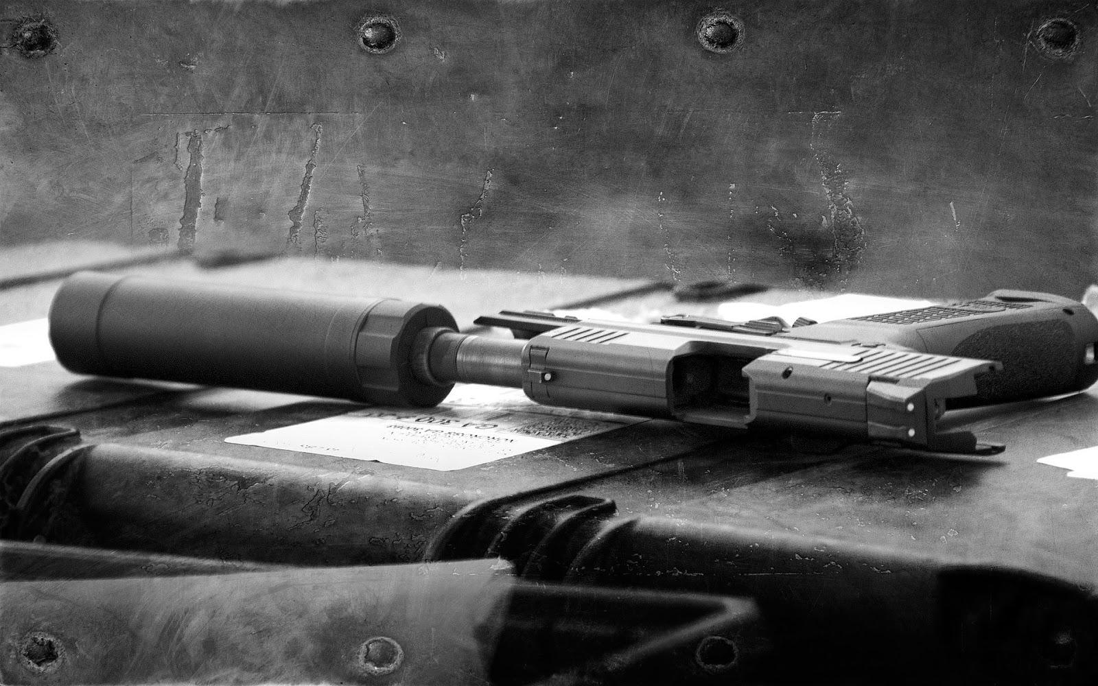 Guns Weapons Cool Guns Wallpapers 3 1600x1000
