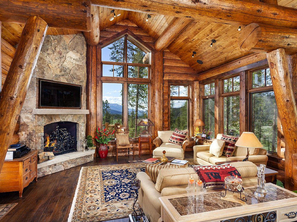 Exquisite Log Cabin Mountain Home Sleeps 12 in Full Beds 1024x768