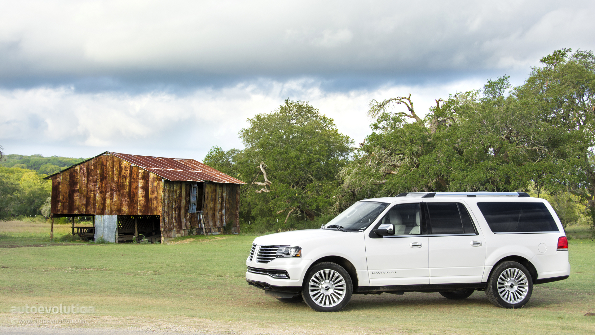 2015 Lincoln Navigator Wallpapers For Your Valentine   autoevolution 1920x1080