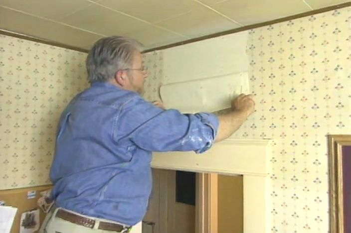 How to Remove Wallpaper Easily Ron Hazelton Online DIY Ideas 704x468