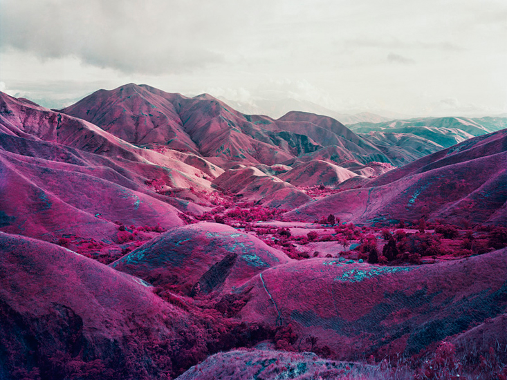 Richard Mosse sees red in Congo Photography Agenda 733x550