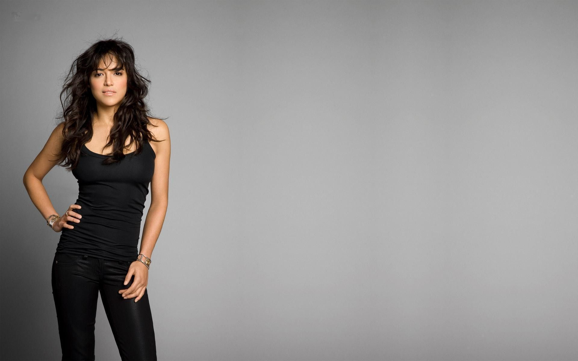 Michelle Rodriguez Desktop Wallpaper 51033 1920x1200px 1920x1200