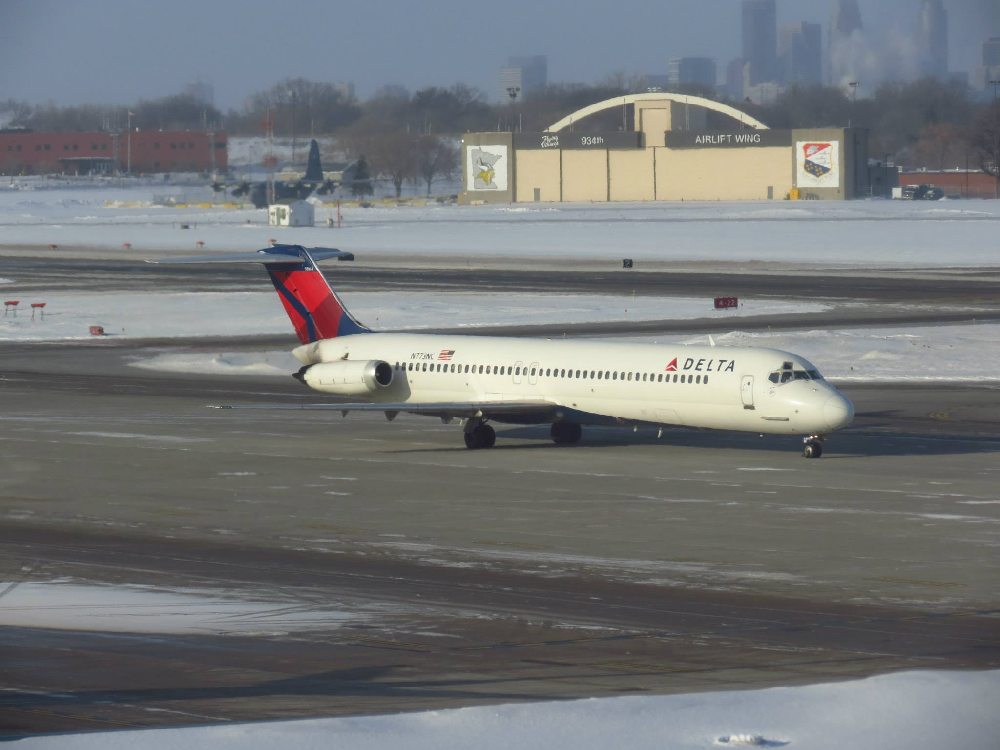 Delta retires its last DC 9 airliners which spurred travel since 2048x1536