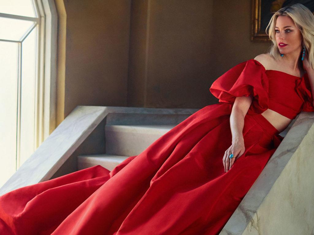 Elizabeth Banks Vanity Fair 4k Wallpapers HD Wallpapers 1024x768