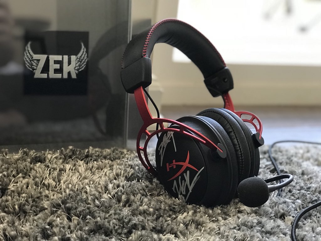 John Morin on Twitter SIGNED HEADSET GIVEAWAY Used this pair 1024x768