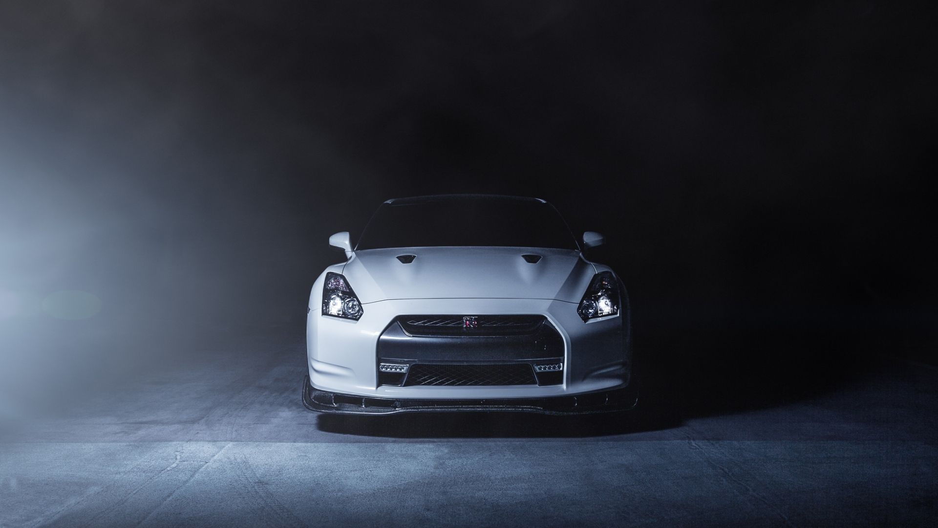 1920x1080 Wallpaper nissan gt r r35 white front smoke Car 1920x1080