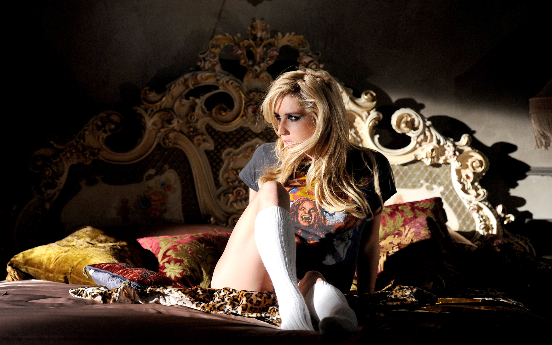 Kesha blondes blondes women girl girls f wallpaper 1920x1200 87527 1920x1200