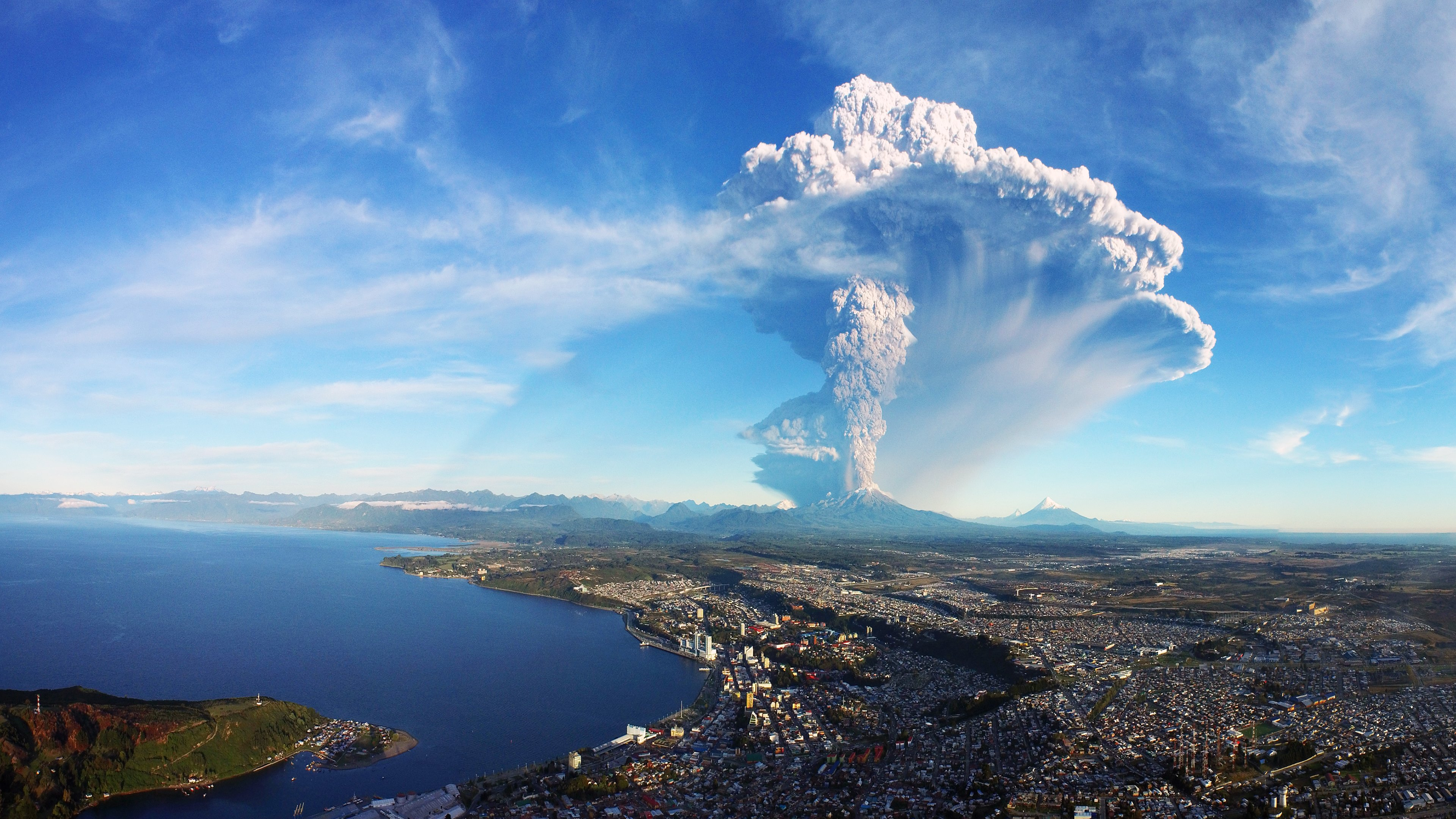Calbuco Volcano in Chile erupts Wallpapers HD Wallpapers 3840x2160