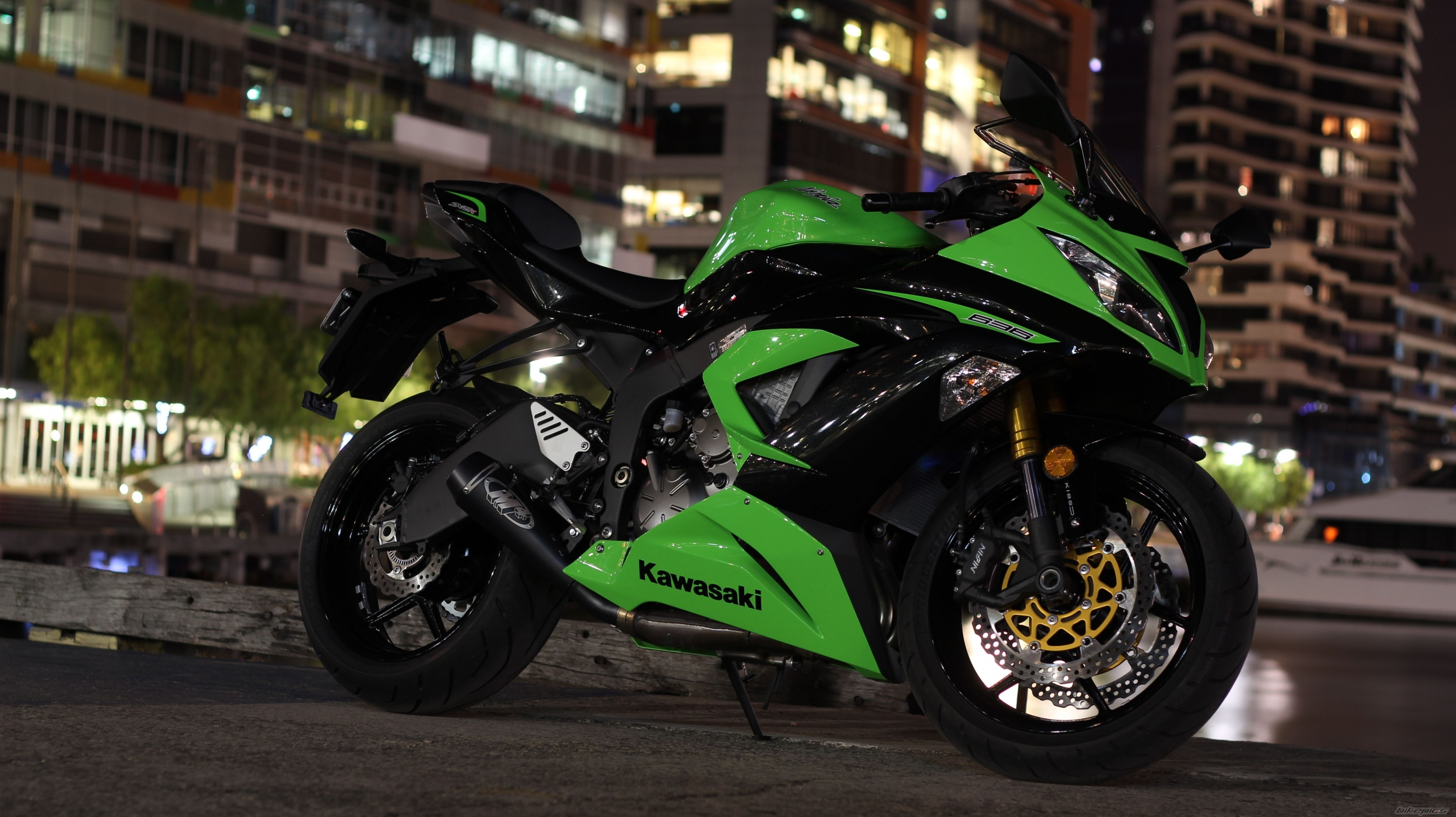 Download Backgrounds for Zx6r HQ RES 2500x1404