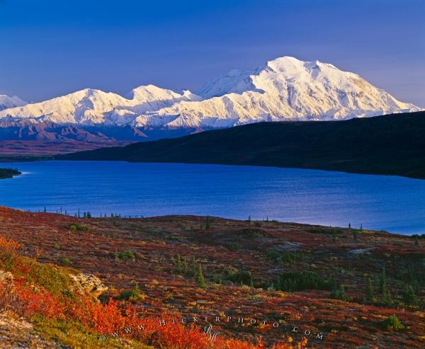 Wonder Lake scenery during fall in Denali National Park Alaska USA 600x493