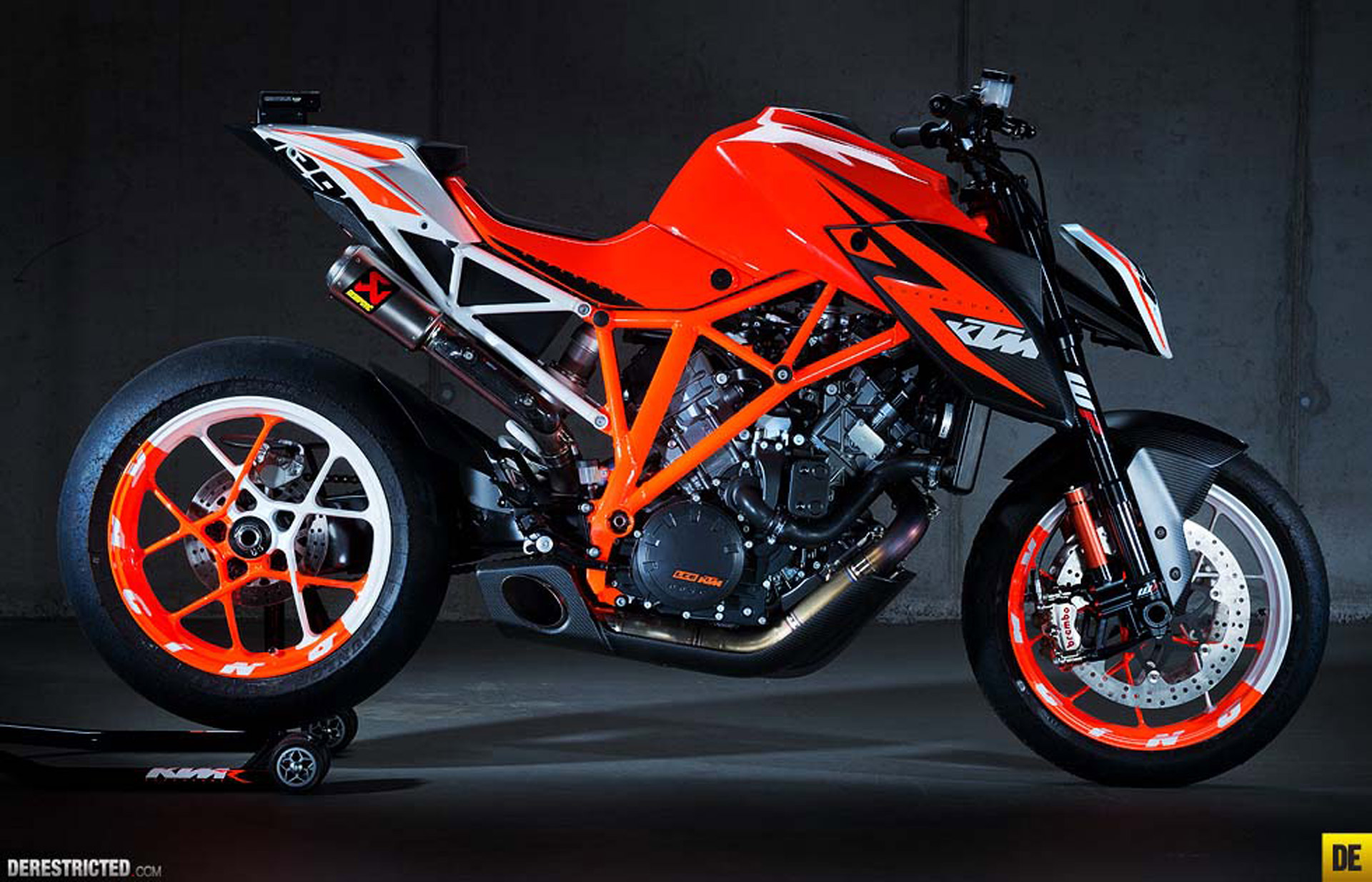 2013 KTM 1290 Super Duke R prototype Concept Bike Specifications 1920x1234