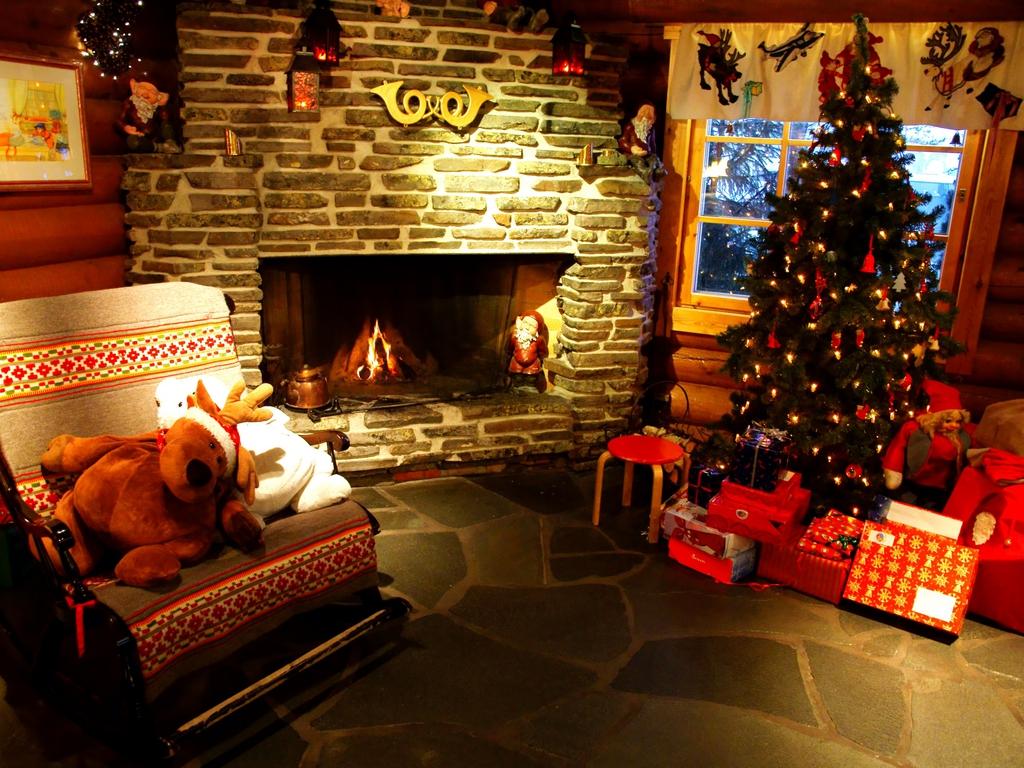 christmas 27669354 1024 7681 21 Stunningly Beautiful Christmas Desktop 1024x768