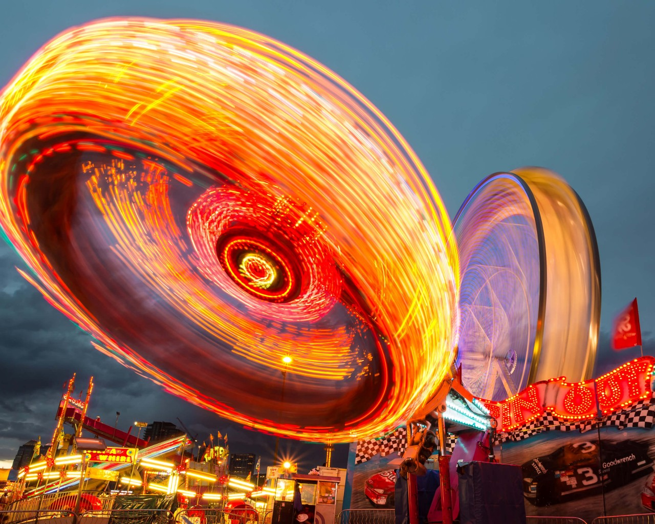 Download Calgary Stampede Lights HD wallpaper for 1280 x 1024 1280x1024