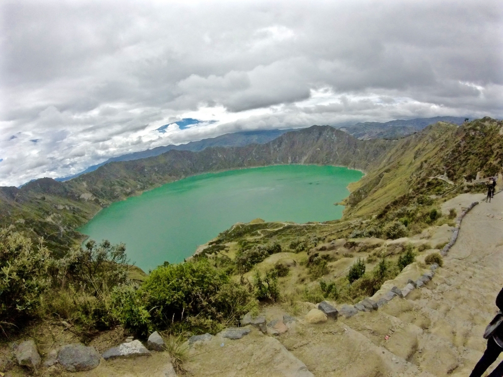 Quilotoa Lake Ecuador in May wallpaper in 1024x768 resolution 1024x768