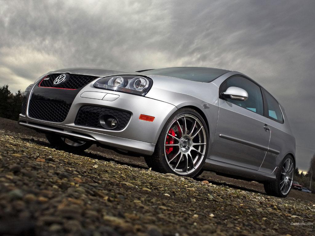 Wednesday Wallpaper HRs VW Golf 5 GTi 1024x768