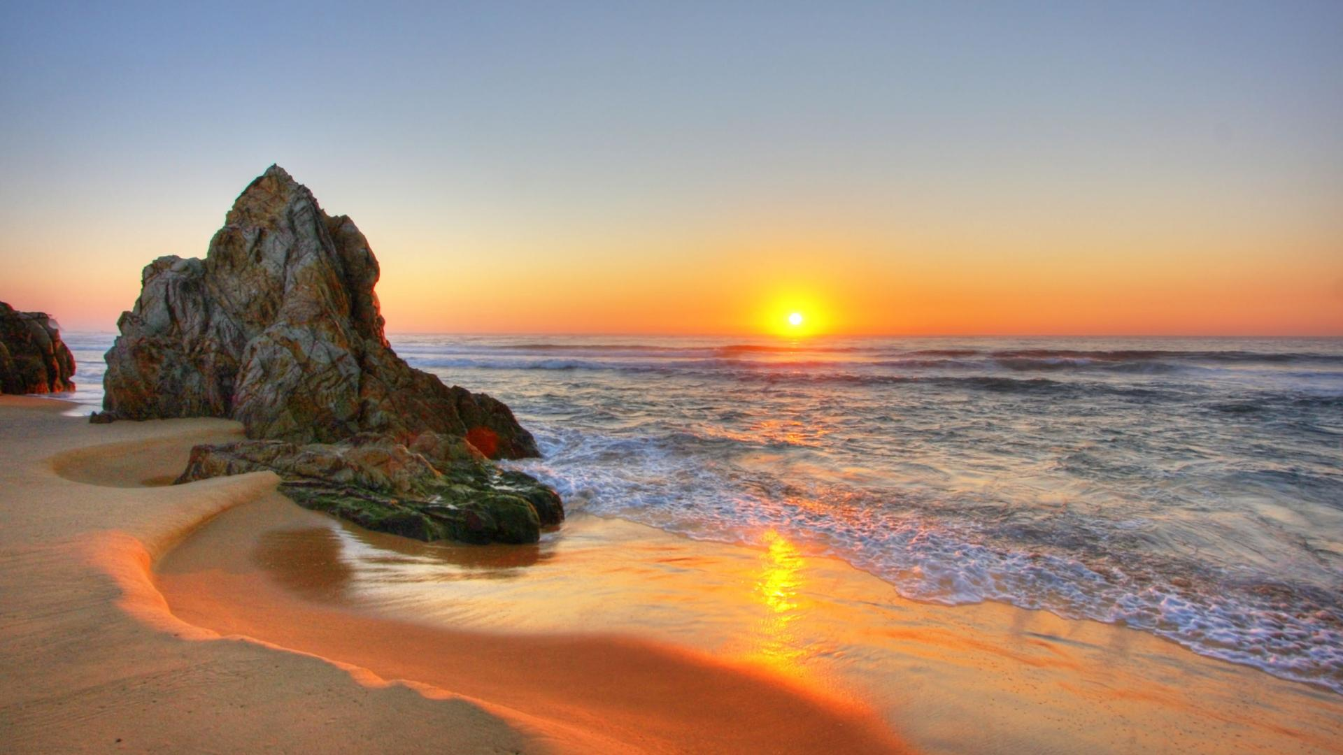 Beach Sunset Pictures HD Wallpaper of Beach   hdwallpaper2013com 1920x1080