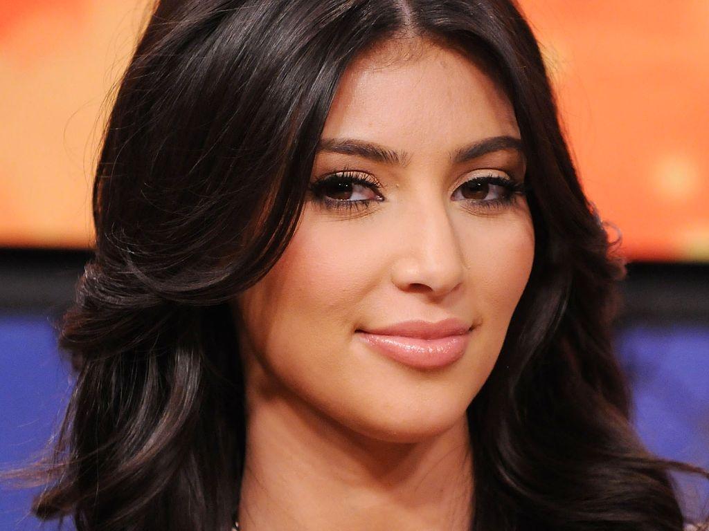 Kim Kardashian HD Wallpapers 1024x768