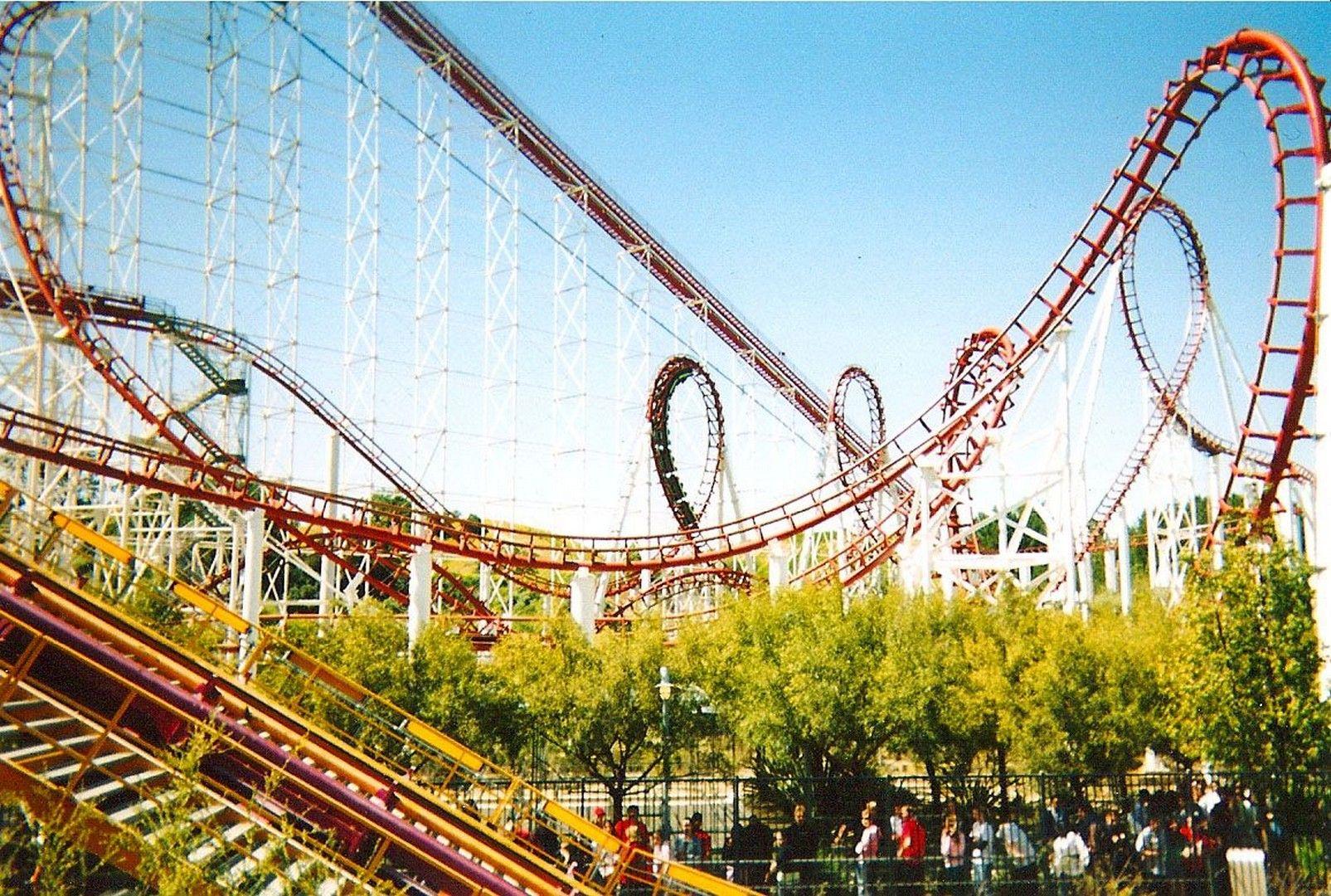 HD Six Flags Magic Mountain wallpaper Six Flags Magic Mountain 1605x1080