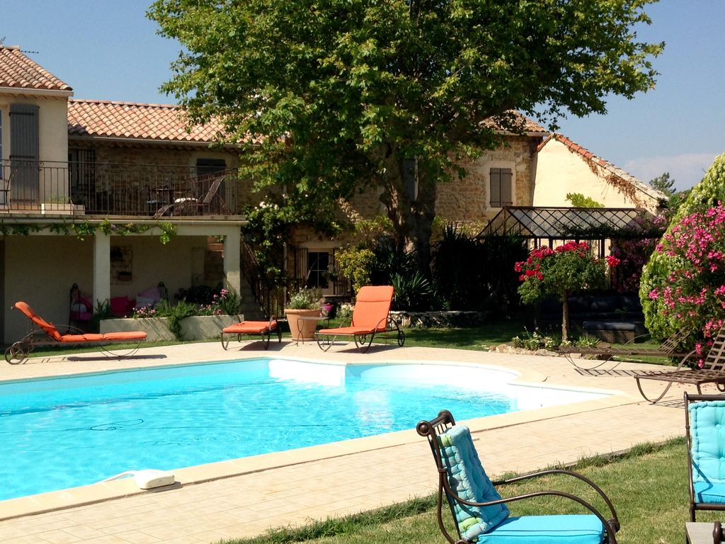 Orange 4 haven in restored farmhouse with pool   Orange 1024x768