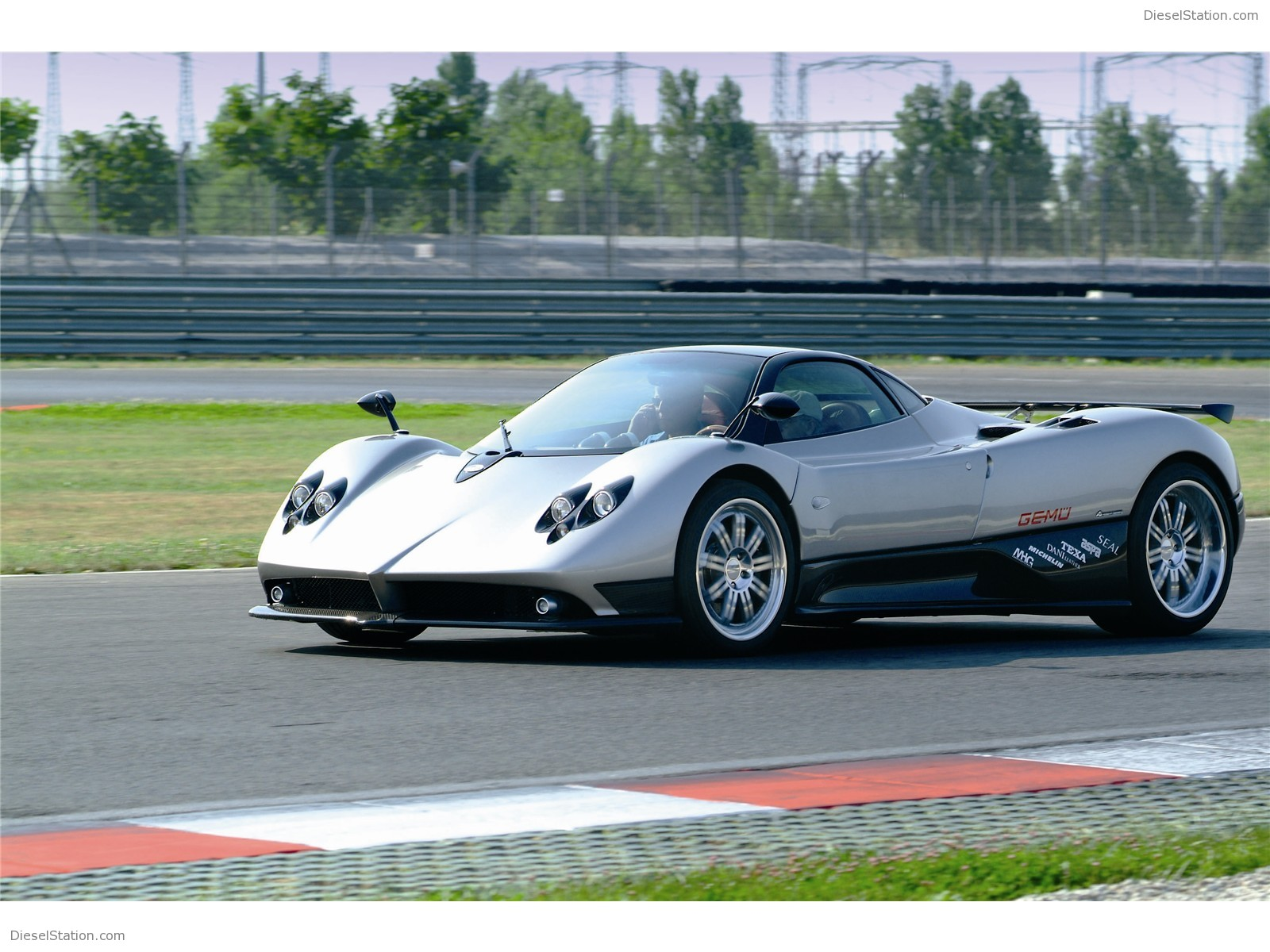 Pagani Zonda F Exotic Car Wallpapers #02 of 22 : Diesel ...