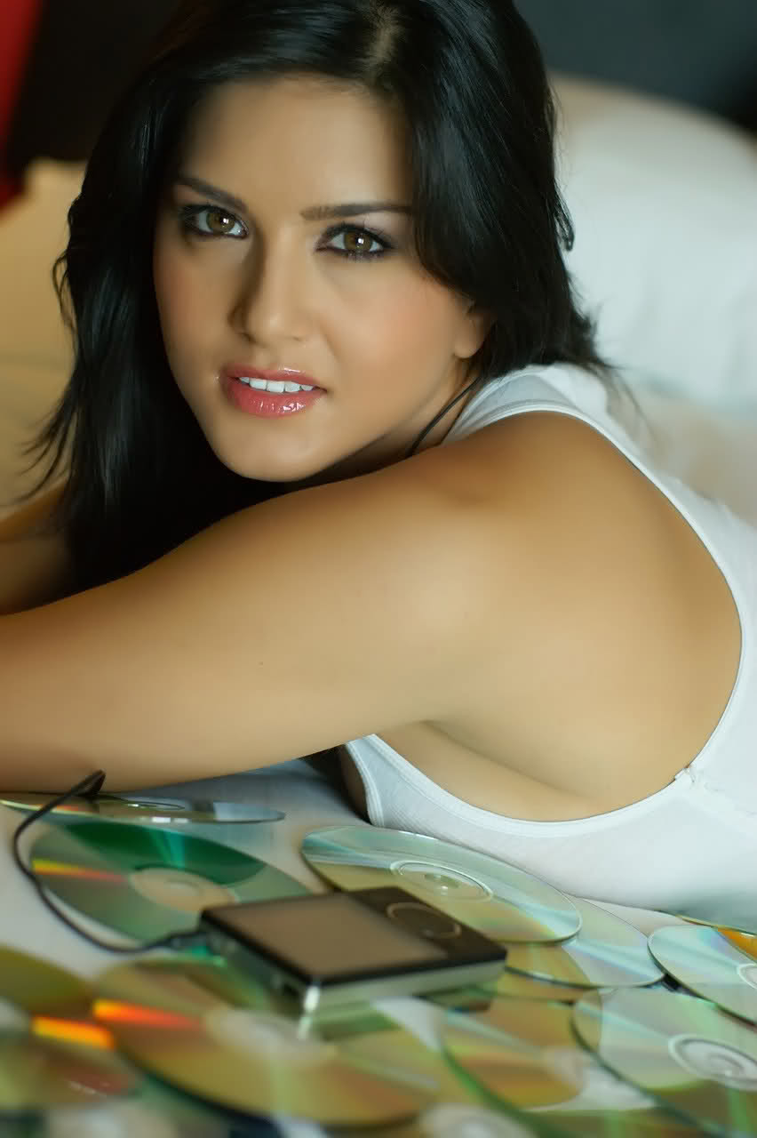 Leone Mobile Wallpapers Download Sunny Leone Mobile Wallpapers 852x1280