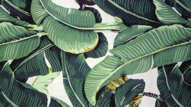 de jungle met het Martinique Banana Leaf wallpaper van Hinson   Roomed 623x350
