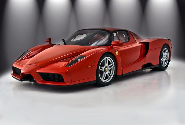 Черный спортивный автомобиль Ferrari Enzo  № 2892515 загрузить