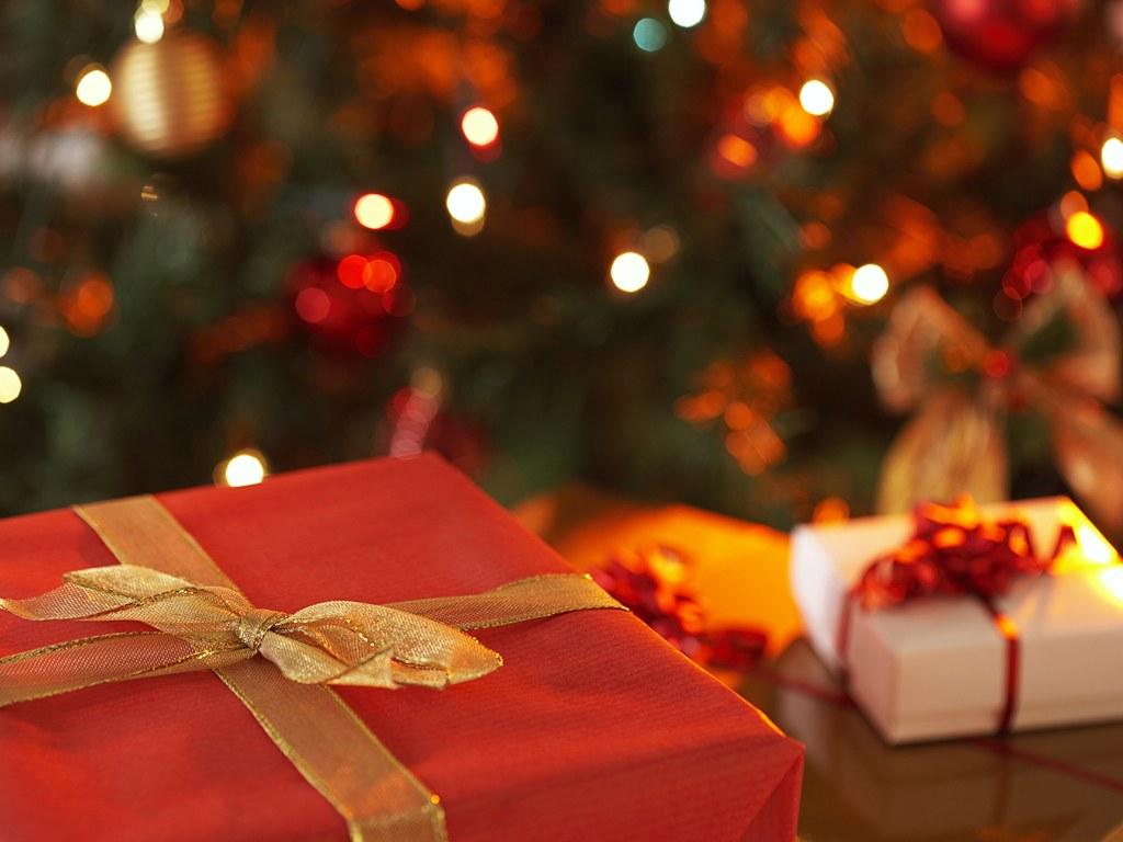 Christmas Wallpapers Christmas Gift Wallpapers 1024x768