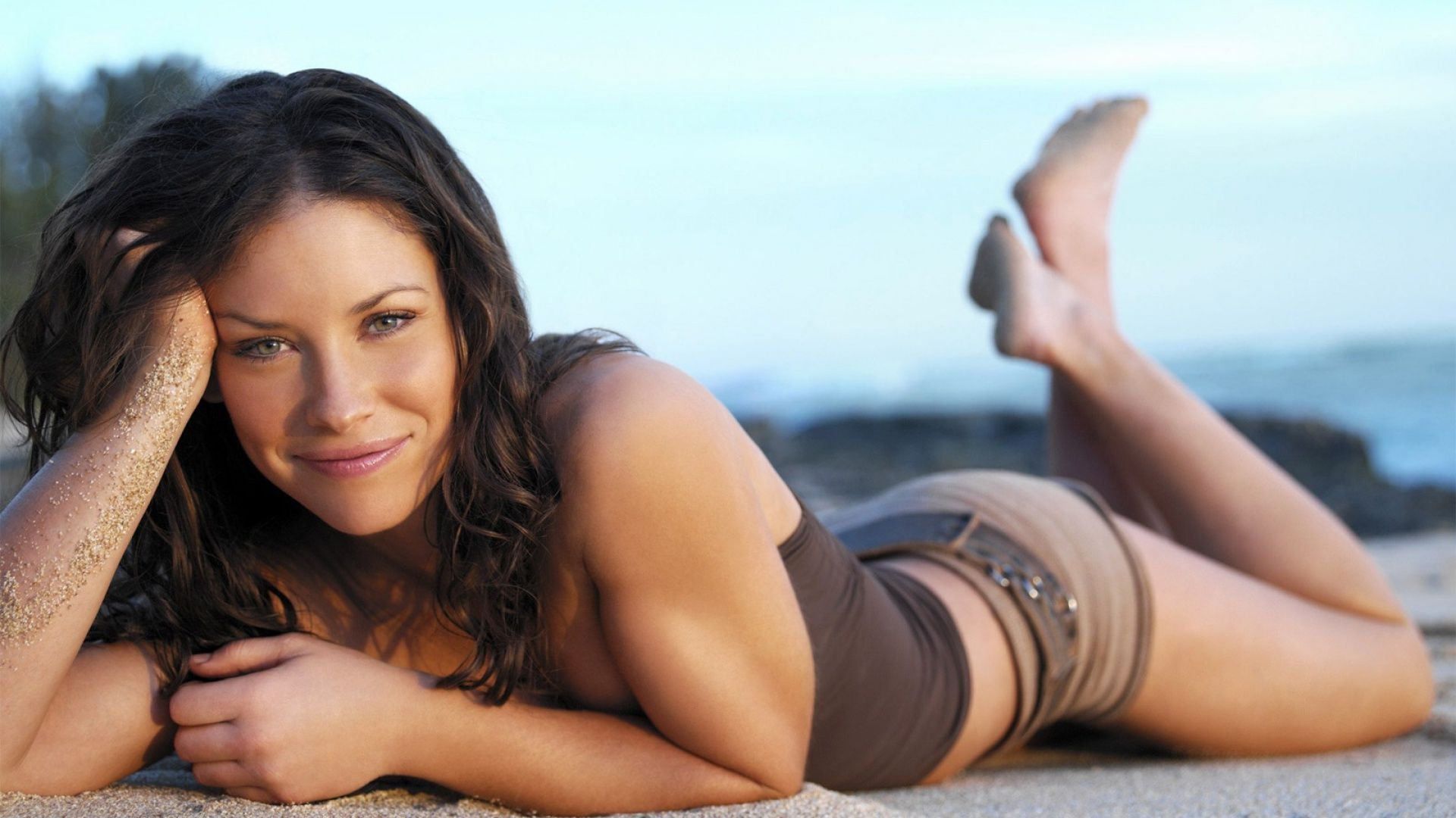 Evangeline Lilly in the sand wallpaper 38347 1920x1080