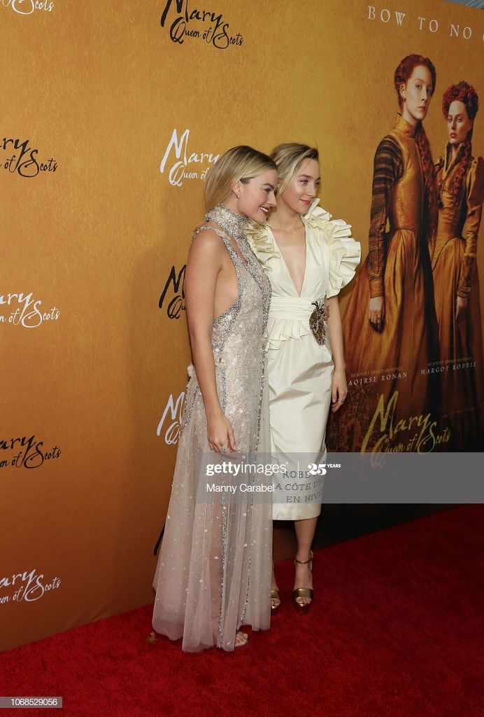 Margot Robbie and Saoirse Ronan attend the Mary Queen of Scots 692x1024