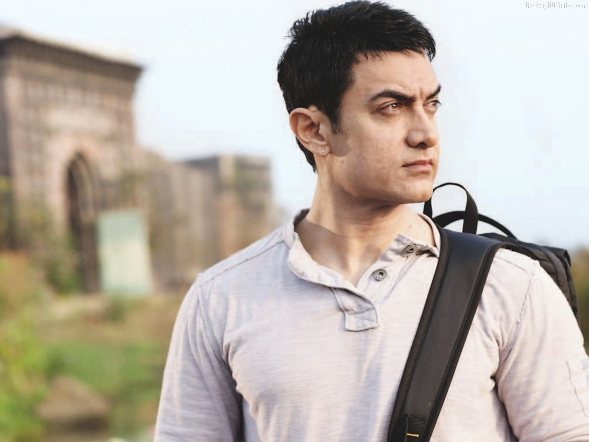 Aamir Khan Wallpapers HD Backgrounds Images Pics Photos 1920x1440