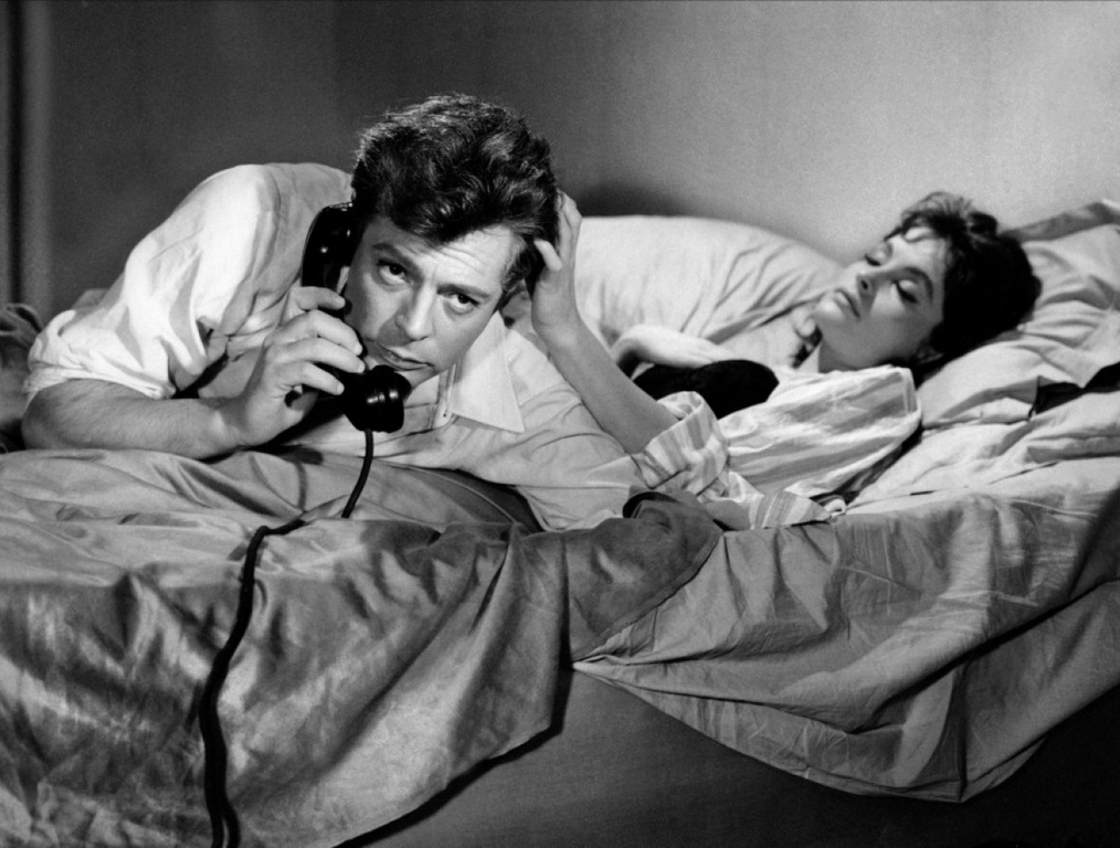 Marcello Mastroianni   Federico Fellini Photo 11943616 1014x768