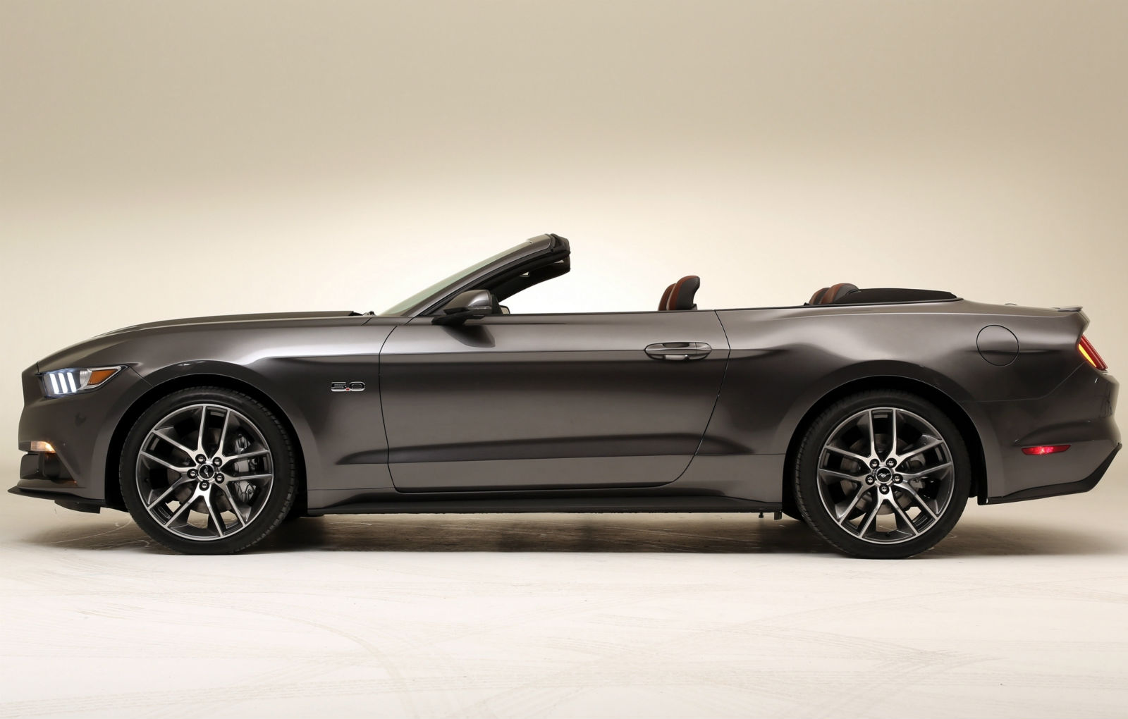 2015 Ford Mustang Convertible Wallpaper   HD 1600x1020