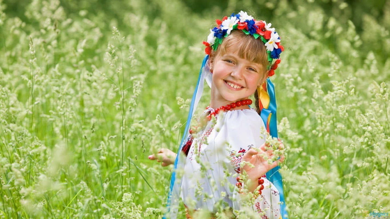 Cute Summer Girl HD Wallpaper Cute Little Babies 1366x768