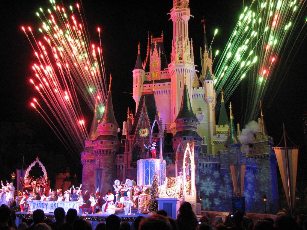 regular Magic Kingdom closing is pure time honored Disney magic 1024x768