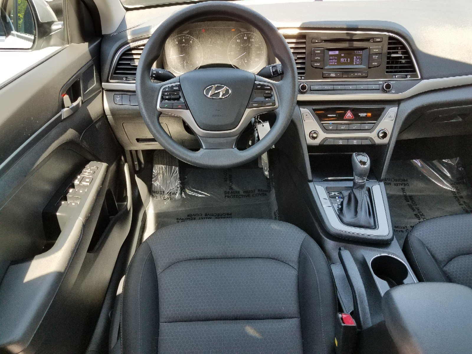 Pre Owned 2018 Hyundai Elantra SE Sedan in Hoover P947455B 1600x1200