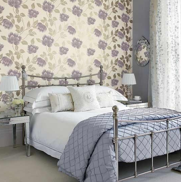purple floral bedroom with wallpaper theme 600x603