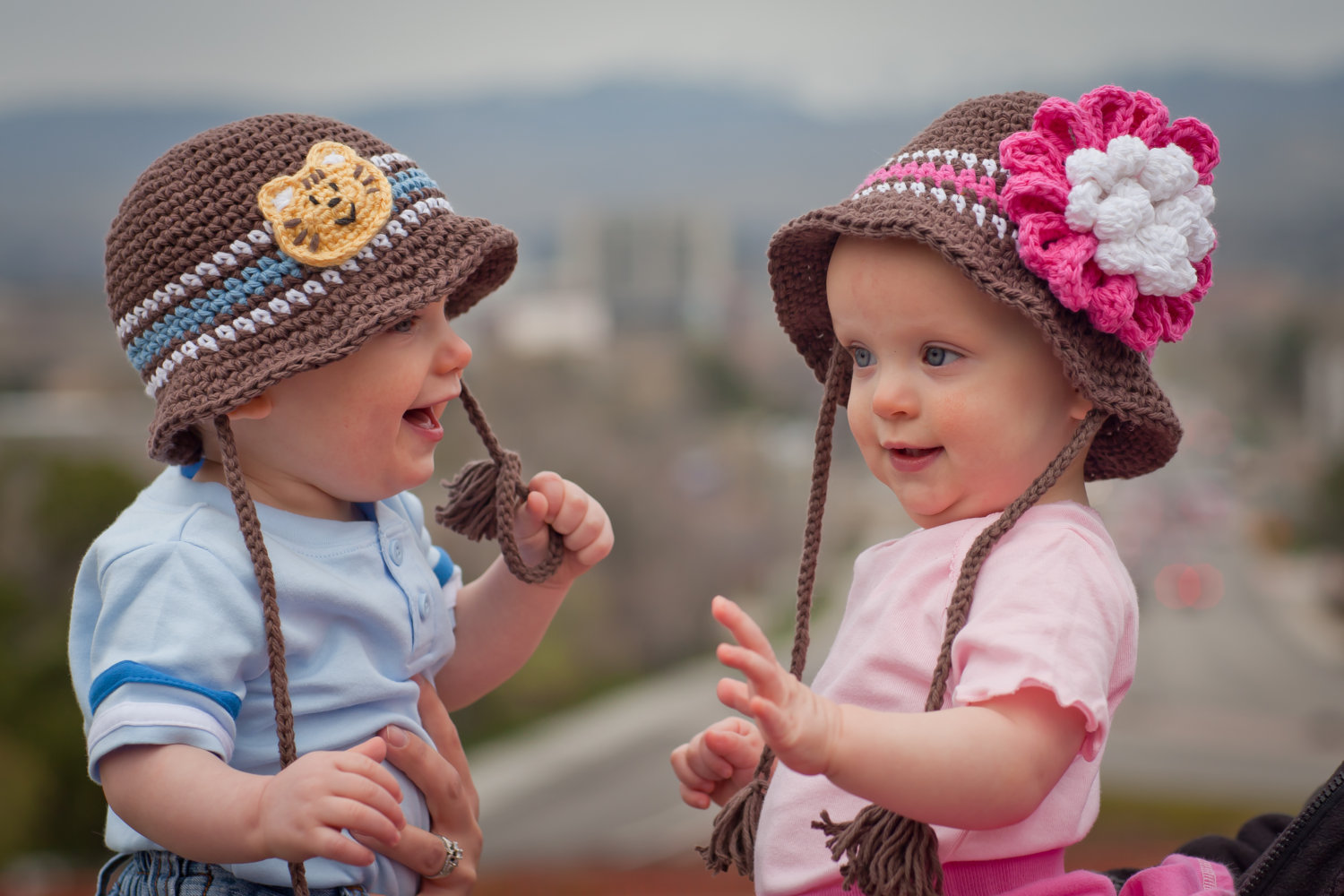 cute twins babies wallpapers images HD Wallpapers Buzz 1500x1000 1500x1000