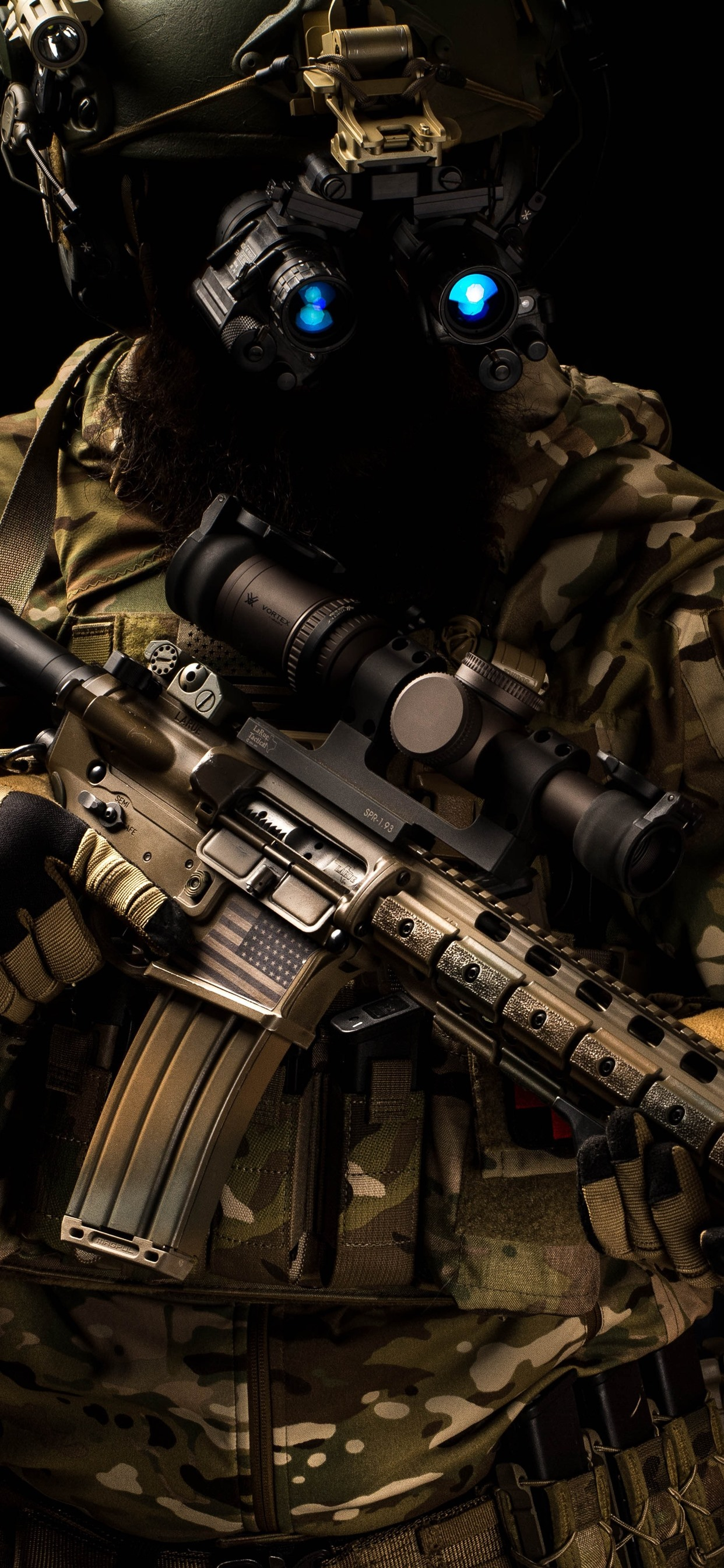 Special forces helmet assault rifle 1242x2688 iPhone XS Max 1242x2688