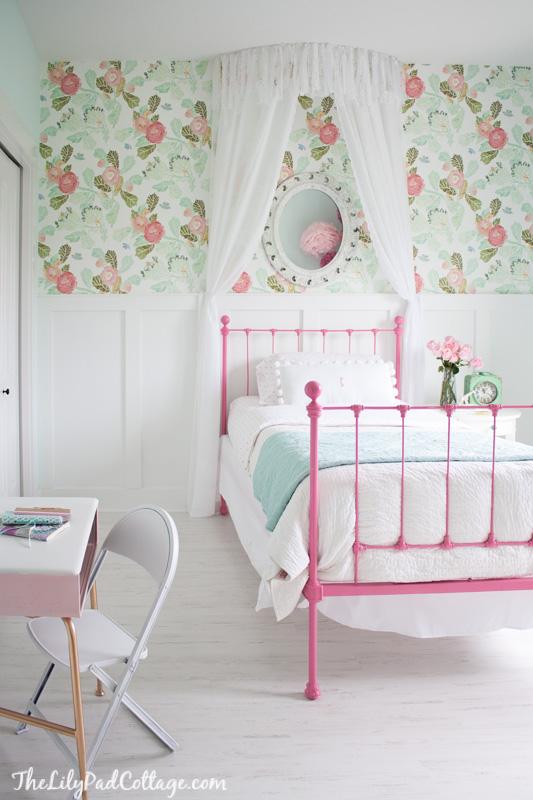 little girl bedroom anthropologie peonies wallpaper   I Heart Nap Time 533x800
