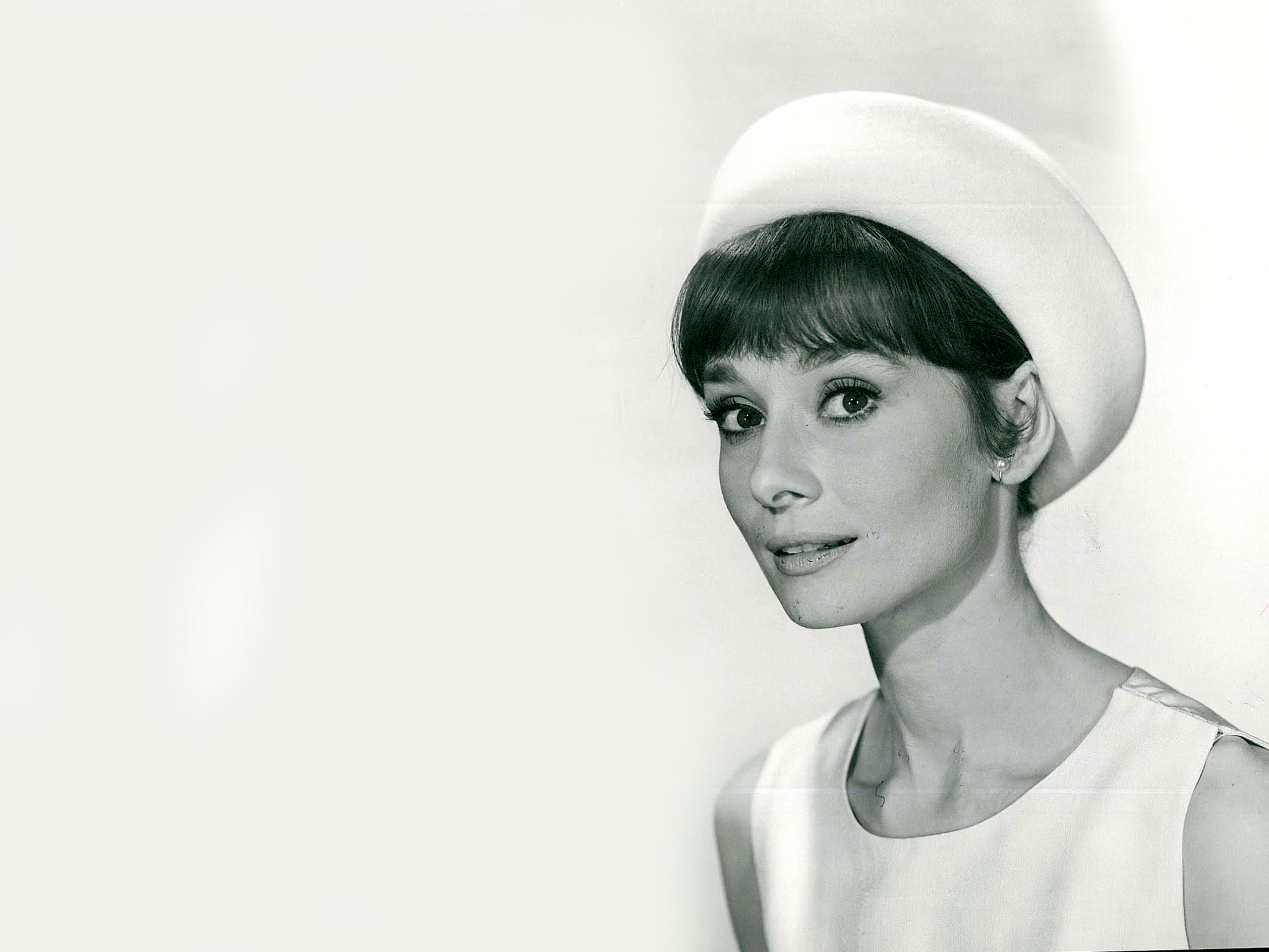 Audrey Hepburn Wallpapers 2560x1920 2560x1920
