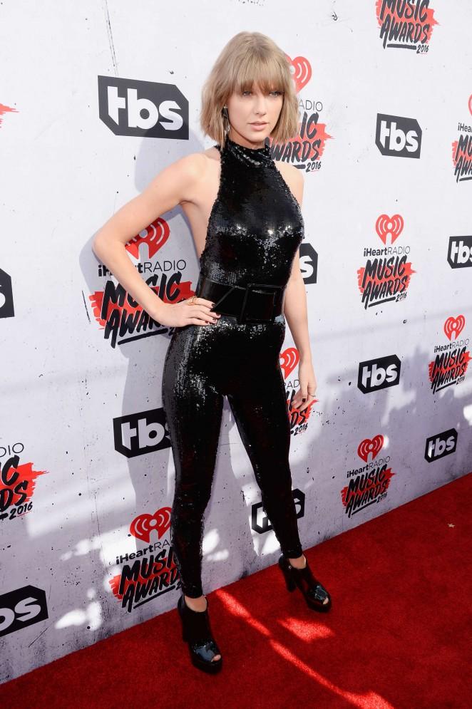 Taylor Swift iHeartRadio Music Awards 2016  20   GotCeleb 662x995
